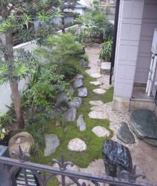心休まる和風の庭