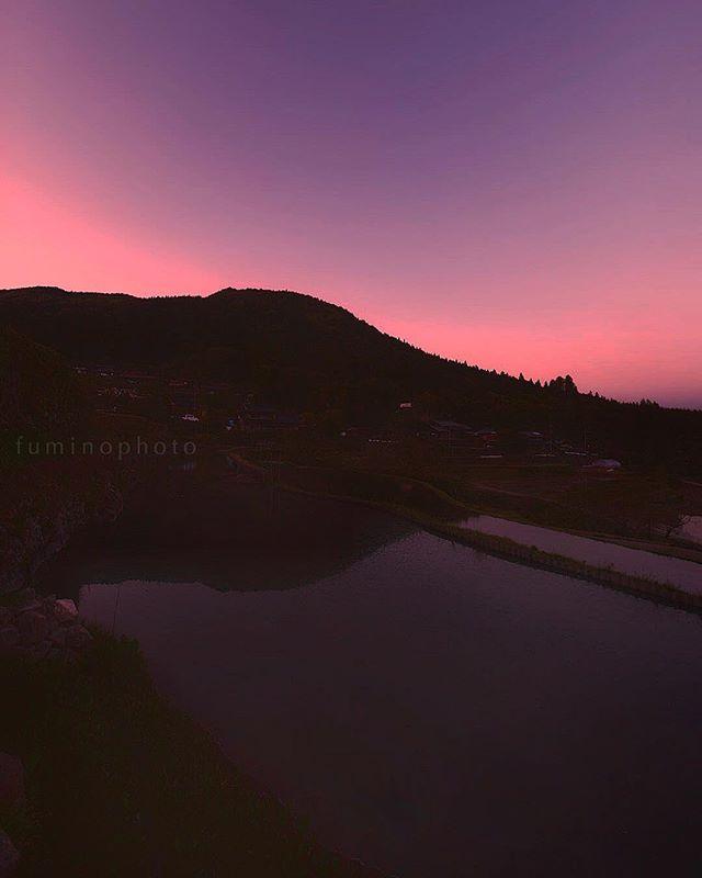 夕焼け焼けた#夕焼け #東京カメラ部 #tokyocameraclub #japan_art_photography #jp_gallery #ig_japan #instagramjapan #写真好きな人と繋がりたい #写真撮ってる人と繋がりたい #ts_niwa #棚田百選 #フォトコミュ #フォトジェニック