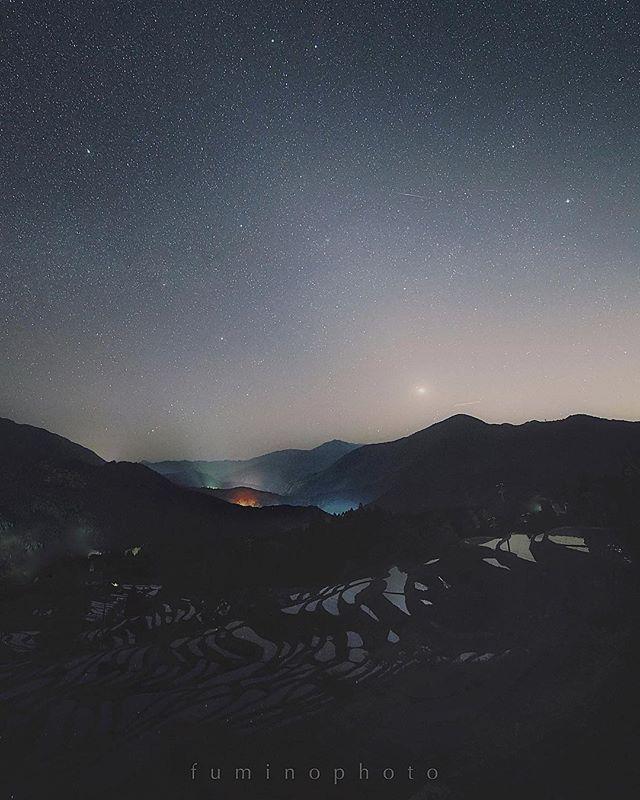 沢山の流れ星も観ることができました。満天の星空とその星が映り込む棚田の風景実は最近入院していた時にここに行きたいあそこに行きたいとベットの上で夢見ていました</p> <div id=
