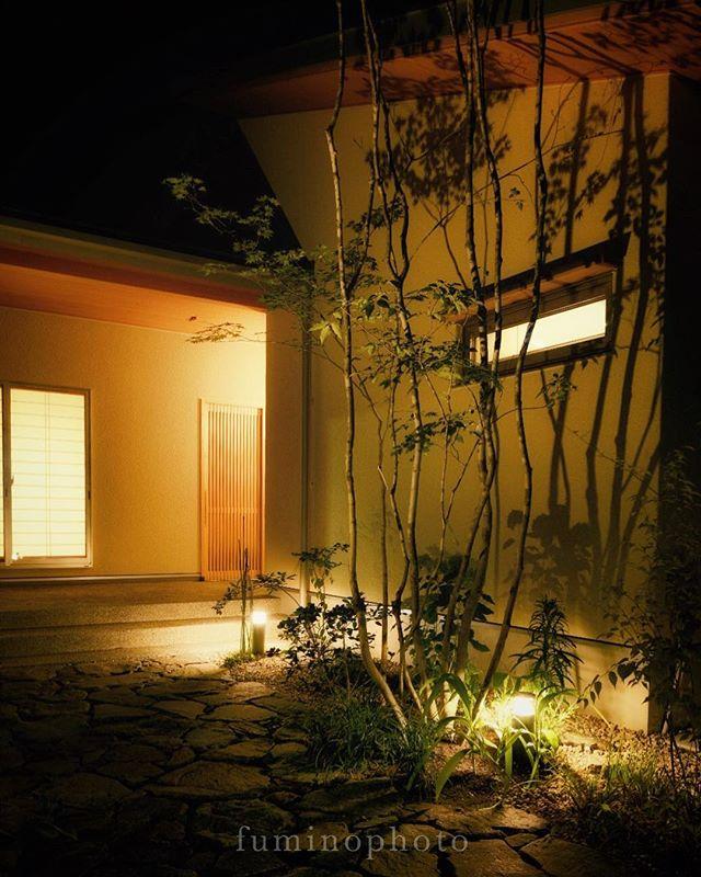 #マイホーム#家#外観#工務店#注文住宅#シック#雑木の庭#garden#窓#かっこいい庭#モダン#外構#house#mygoodroom#庭づくり#暮らしを楽しむ#一軒家#マイホーム記録#ts_niwa#ラグジュアリー#ライトアップ #庭#フォトコミュ #garden#gardening#写真撮ってる人と繋がりたい#写真好きな人と繋がりたい#instagramjapan#建築#ig_garden